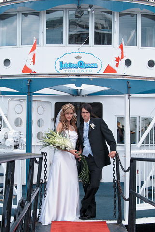 Toronto Wedding Cruise - Bride and Groom(01)