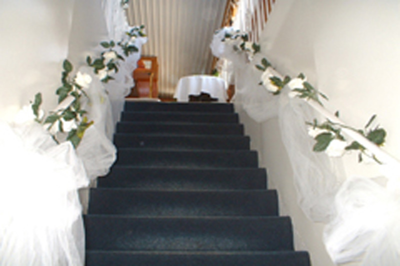 Toronto Wedding Cruise - Decor on Stairs(04)