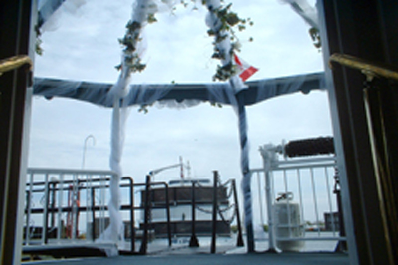 Toronto Wedding Cruise Jubilee - Decor on Bow (05)
