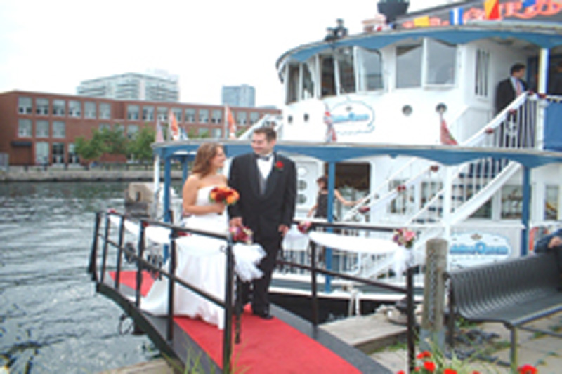 Toronto Wedding Cruise - Bride and Groom Pic (15)